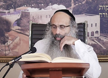 Rabbi Yossef Shubeli - lectures - torah lesson - Chabad on Parshat: Tzav - Friday ´74 - Parashat Tzav, Two Minutes Chabad, Chabad, Rabbi Menachem Mendel Schneerson, Rabbi Yossef Shubeli, Weekly Parasha, Parshat Shavua