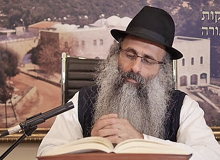 Rabbi Yossef Shubeli - lectures - torah lesson - Chabad on Parshat: Shemini - Tuesday ´74 - Parashat Shemini, Two Minutes Chabad, Chabad, Rabbi Menachem Mendel Schneerson, Rabbi Yossef Shubeli, Weekly Parasha, Parshat Shavua